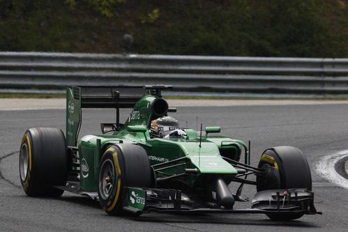 Kamui Kobayashi rueda con los neumáticos blandos