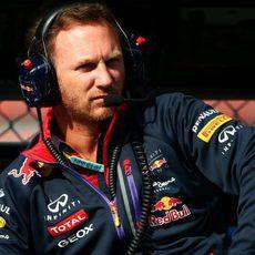 Christian Horner, atento en Red Bull
