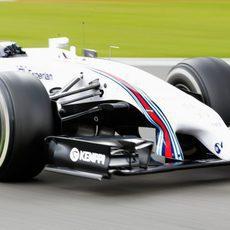 Valtteri Bottas prueba el neumático medio en Spa