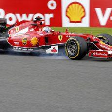 Pasada de frenada de Fernando Alonso con el F14-T