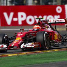 Kimi Räikkönen tuvo problemas por la tarde