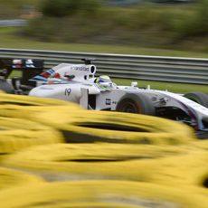 Felipe Massa rueda durante la clasificación