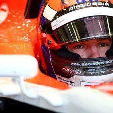 Alexander Rossi se concentra para su debut en la Formula 1