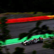 Sergio Pérez no pudo conseguir una plaza en la Q3