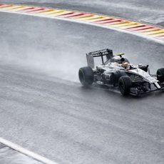 Kevin Magnussen superó a su compañero en Spa