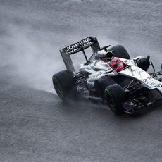 Jenson Button perdió tiempo en su vuelta rápida