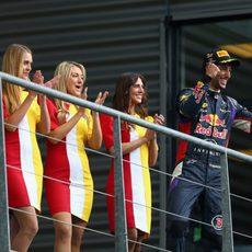 Daniel Ricciardo celebra su victoria en Spa