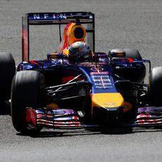 Sebastian Vettel tuvo mucha acción al final de la carrera