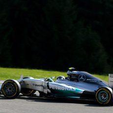 Nico Rosberg volvió a terminar en el podio