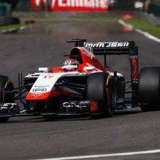 Jules Bianchi intenta recuperar terreno tras su parada