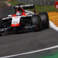 Jules Bianchi durante la carrera en Spa