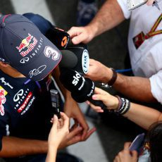Daniel Ricciardo charla con la prensa en Monza