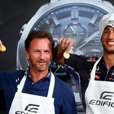 Christian Horner y Daniel Ricciardo en un evento de Casio