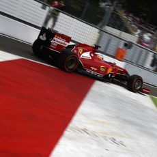 Fernando Alonso sale con el F14-T