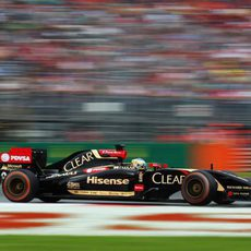 Romain Grosjean tuvo problemas de subviraje con el E22