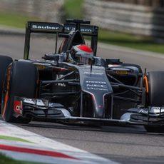 Adrian Sutil con neumáticos duros