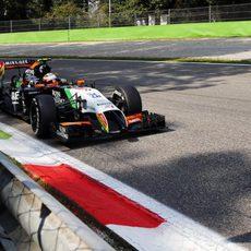 Sergio Pérez con neumáticos medios en Monza
