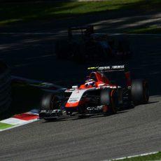 Max Chilton con neumáticos duros durante la clasificación