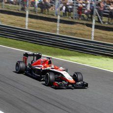 Jules Bianchi, a pocas décimas de sus rivales más directos
