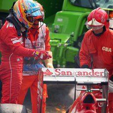 Fernando Alonso abandona en la vuelta 30