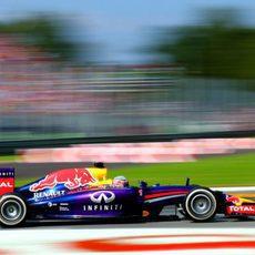 Sebastian Vettel firma la sexta plaza en Italia