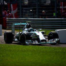 Nico Rosberg atraviesa la primera chicane de Monza