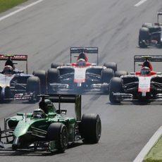 Kamui Kobayashi, por delante de los Marussia y Kvyat