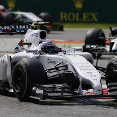 Valtteri Bottas recuperó puestos tras su mala salida
