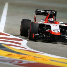 Jules Bianchi exprimiendo al máximo el coche