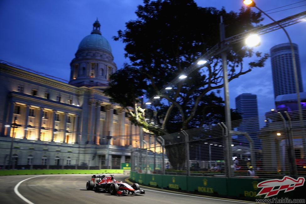 Jules Bianchi saldrá por delante de los Caterham