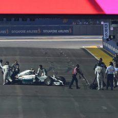 Nico Rosberg se queda parado en la vuelta de formación