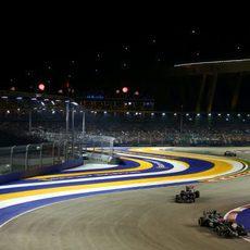 Jenson Button por delante de Jean-Eric Vergne