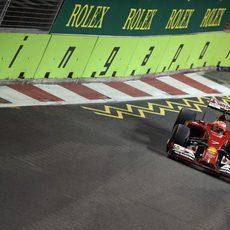 Kimi Raikkonen termina octavo el Gran Premio de Singapur