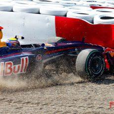 Webber se sale de la pista