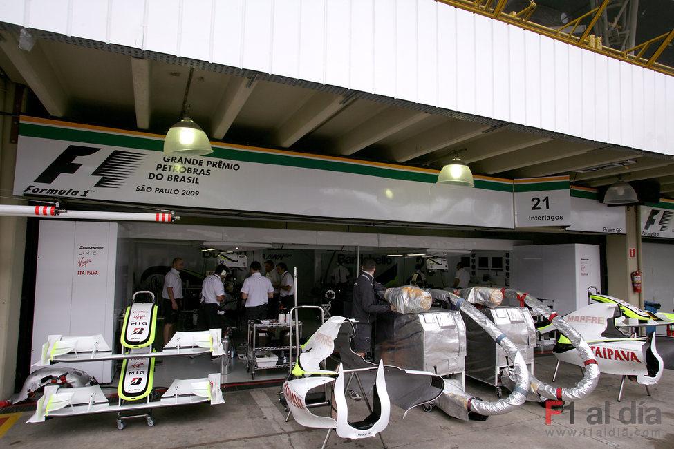 Los boxes de Brawn GP