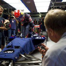 Max Verstappen pasa algunas pruebas ante la FIA
