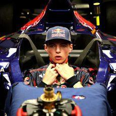 Max Verstappen se hace el asiento para Japón