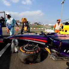 El coche de Ricciardo tras el accidente en los Libres 2