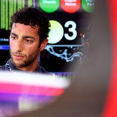 Daniel Ricciardo con el gesto contrariado