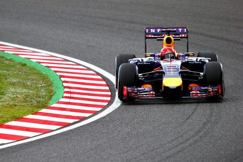 Sebastian Vettel a los mandos del Red Bull en Suzuka