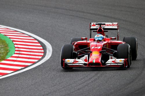 Fernando Alonso completó casi todo el programa del viernes