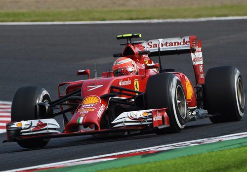 Kimi Räikkönen rueda con el F14-T en los Libres 2