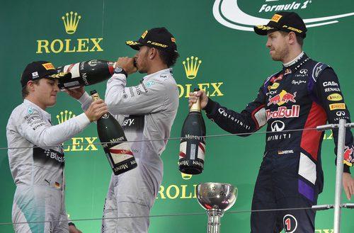 Hamilton, Rosberg y Vettel en el podio de Suzuka