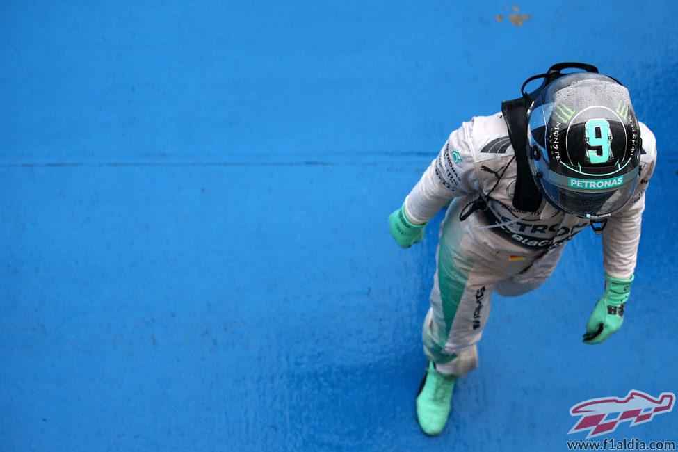 Nico Rosberg en parque cerrado