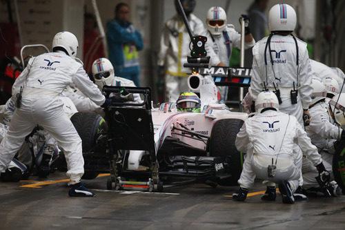 Parada en boxes de Felipe Massa en Japón