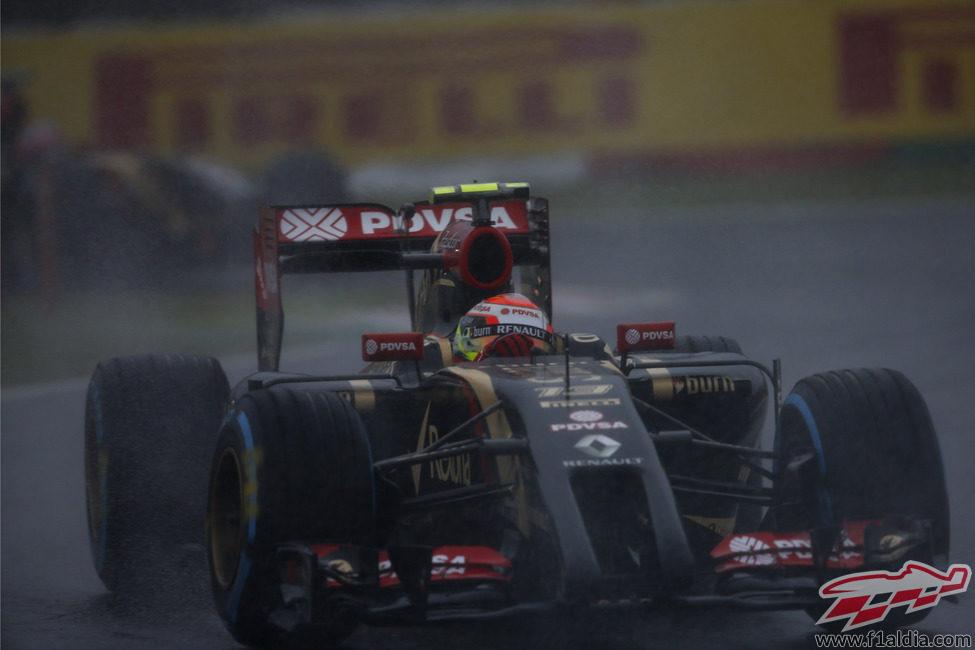 Pastor Maldonado durante el GP de Japón