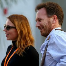 Christian Horner llega al circuito con Geri Halliwell