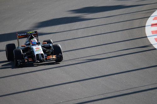 Sergio Pérez probando el Force India durante los libres en Rusia