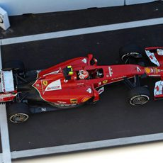 Kimi Räikkönen entrando al Pit Lane del circuito de Sochi
