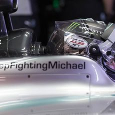 Mercedes sigue recordando en sus coches a Michael Schumacher
